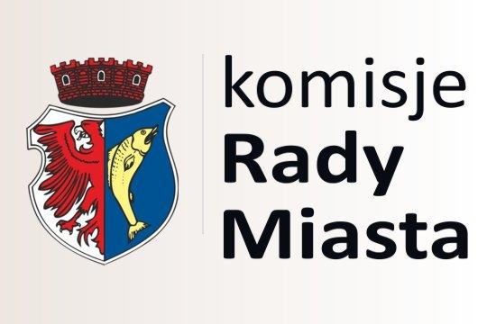 """grafika przykładowa przedstawiająca herb miasta Kostrzyn nad Odra oraz napis """"komisje Rady Miasta"""""""