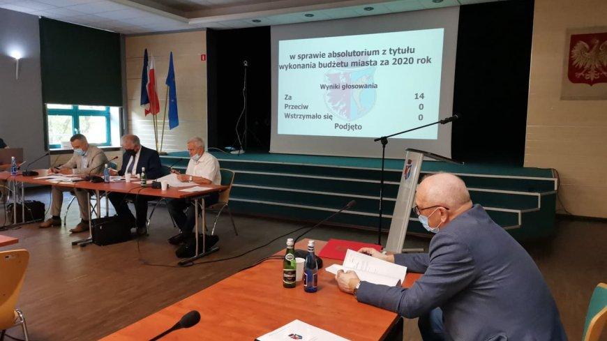 Wotum zaufania i absolutorium dla Burmistrza Miasta Kostrzyn nad Odrą